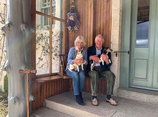 الأمير تشارلز و كاميلا دوقة كورونول يحتفلا بعيد زواجهما الـ 15  (2)