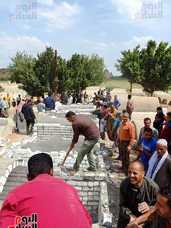 إزالة 90 مقبرة بناها أهالى المنوفية (7)