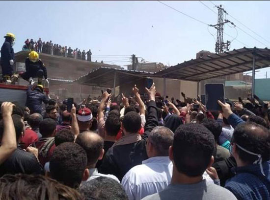 آلاف يشيعون جثمان شهيد سيناء (2)