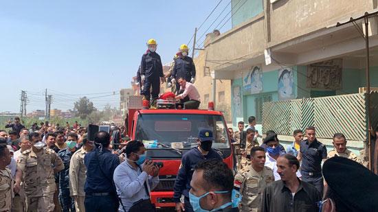 آلاف يشيعون جثمان شهيد سيناء فى جنازة عسكرية (3)