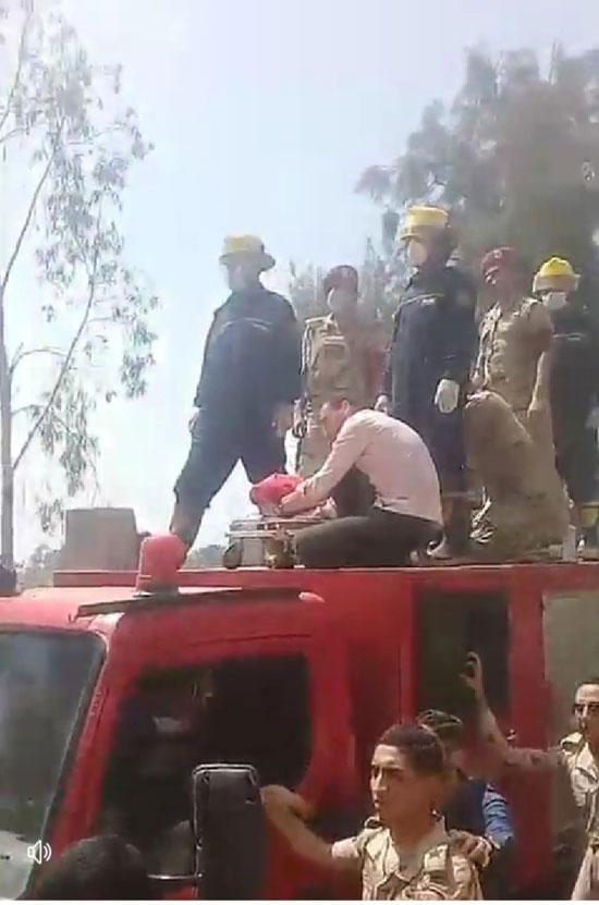 آلاف يشيعون جثمان شهيد سيناء فى جنازة عسكرية (1)