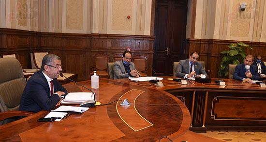 اجتماع لجنة الإسكان والمرافق (6)