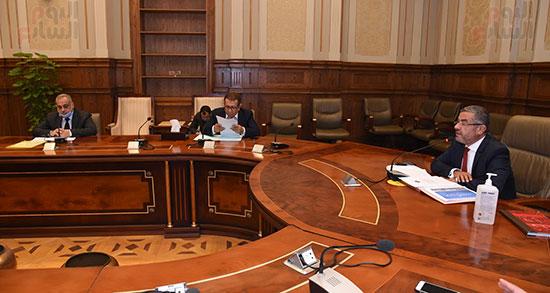 اجتماع لجنة الإسكان والمرافق (7)