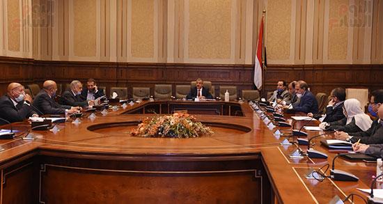 اجتماع لجنة الإسكان والمرافق (9)