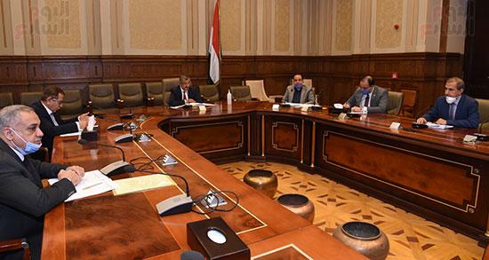 اجتماع لجنة الإسكان والمرافق (2)
