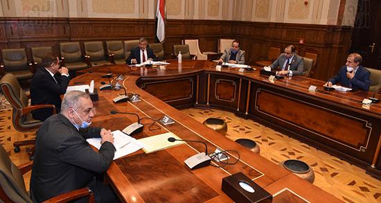 اجتماع لجنة الإسكان والمرافق (5)