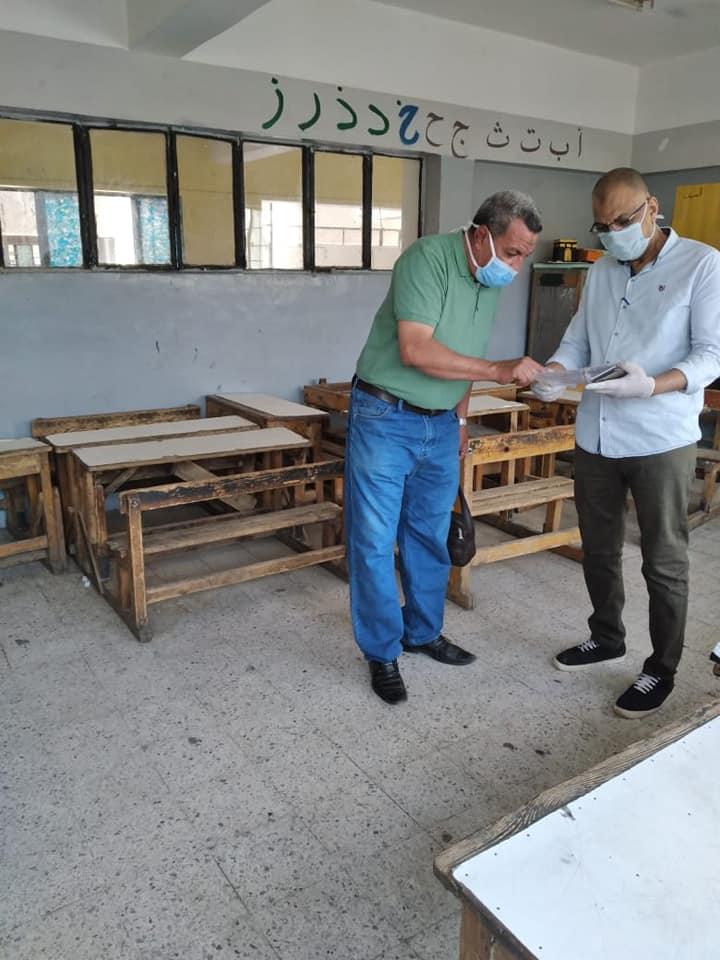 مدارس أسوان تتسلم المشروعات البحثية لطلاب المدارس لليوم الرابع (4)