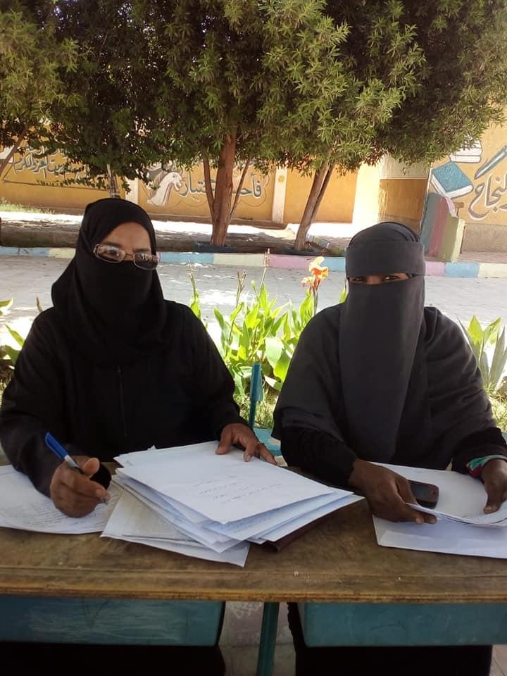 مدارس أسوان تتسلم المشروعات البحثية لطلاب المدارس لليوم الرابع (2)