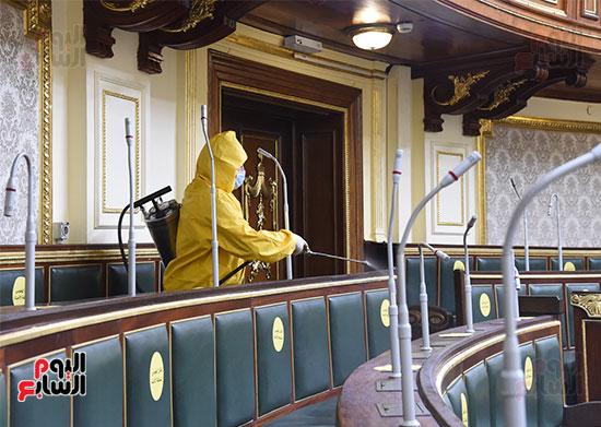 تعقيم و تطهير قاعات البرلمان استعدادا لجلسات الأحد المقبل (10)