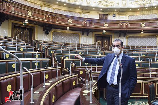 تعقيم و تطهير قاعات البرلمان استعدادا لجلسات الأحد المقبل (15)