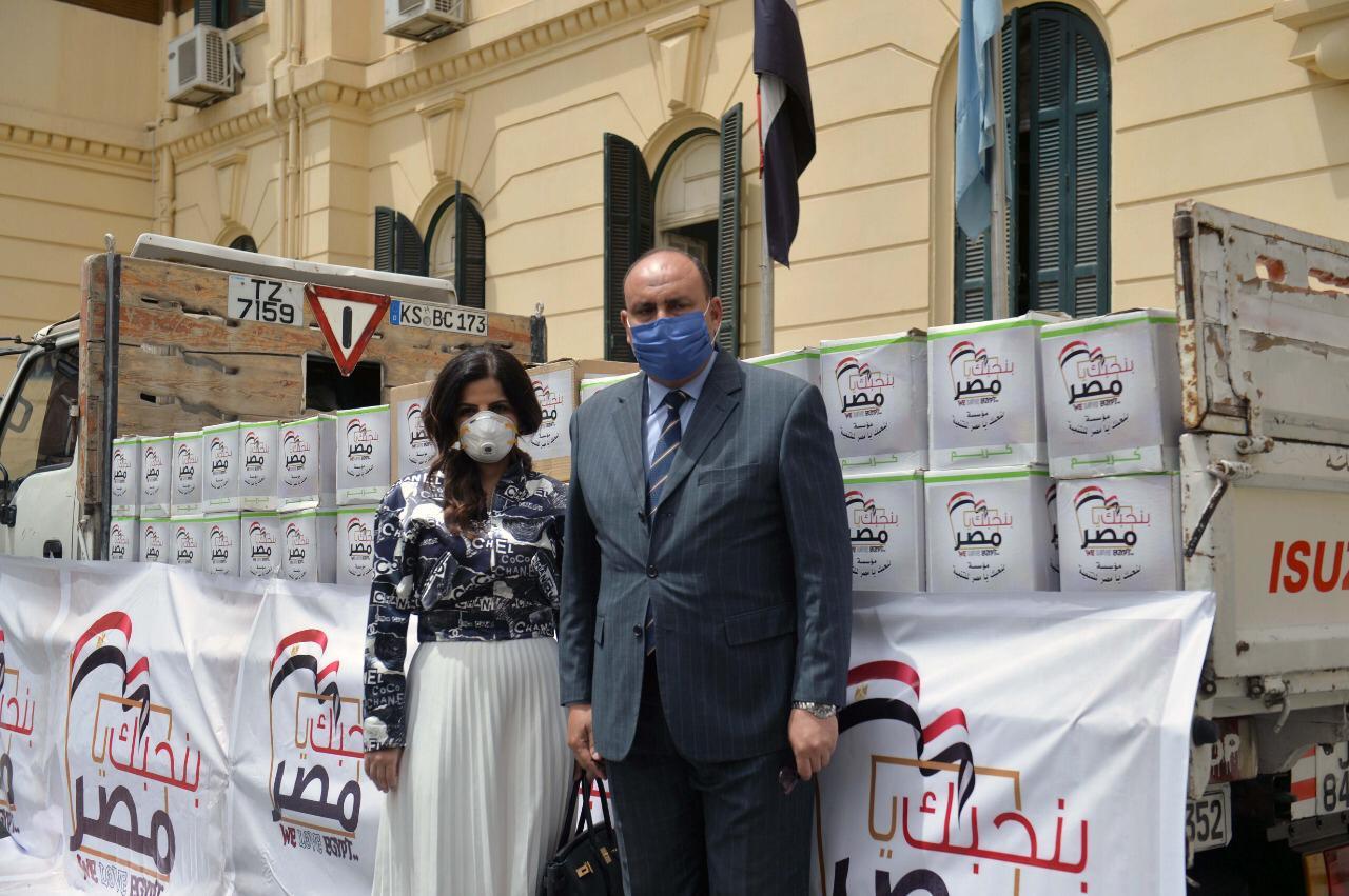 تسليم محافظة القاهرة للمسلعدات الغذائية