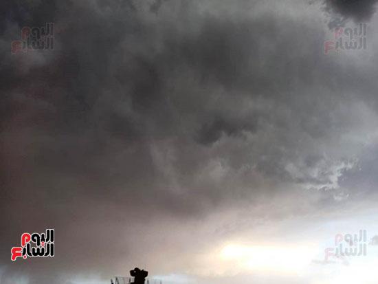 أمطار ورعد وبرق في سماء محافظة الأقصر (4)