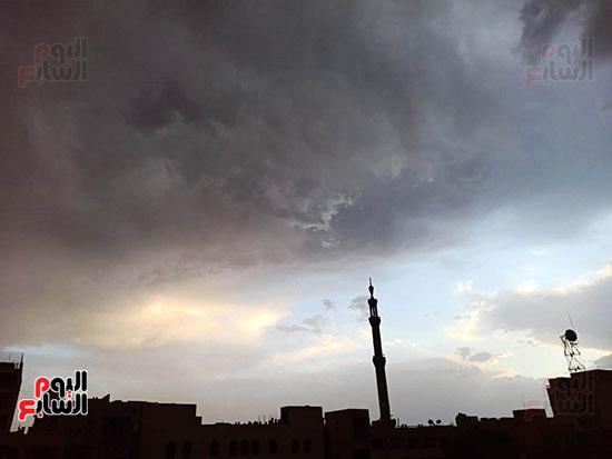 أمطار ورعد وبرق في سماء محافظة الأقصر (1)