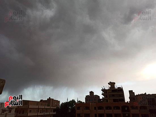 أمطار ورعد وبرق في سماء محافظة الأقصر (3)