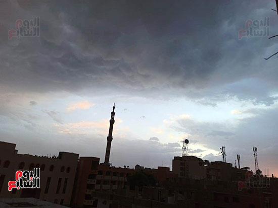 أمطار ورعد وبرق في سماء محافظة الأقصر (7)