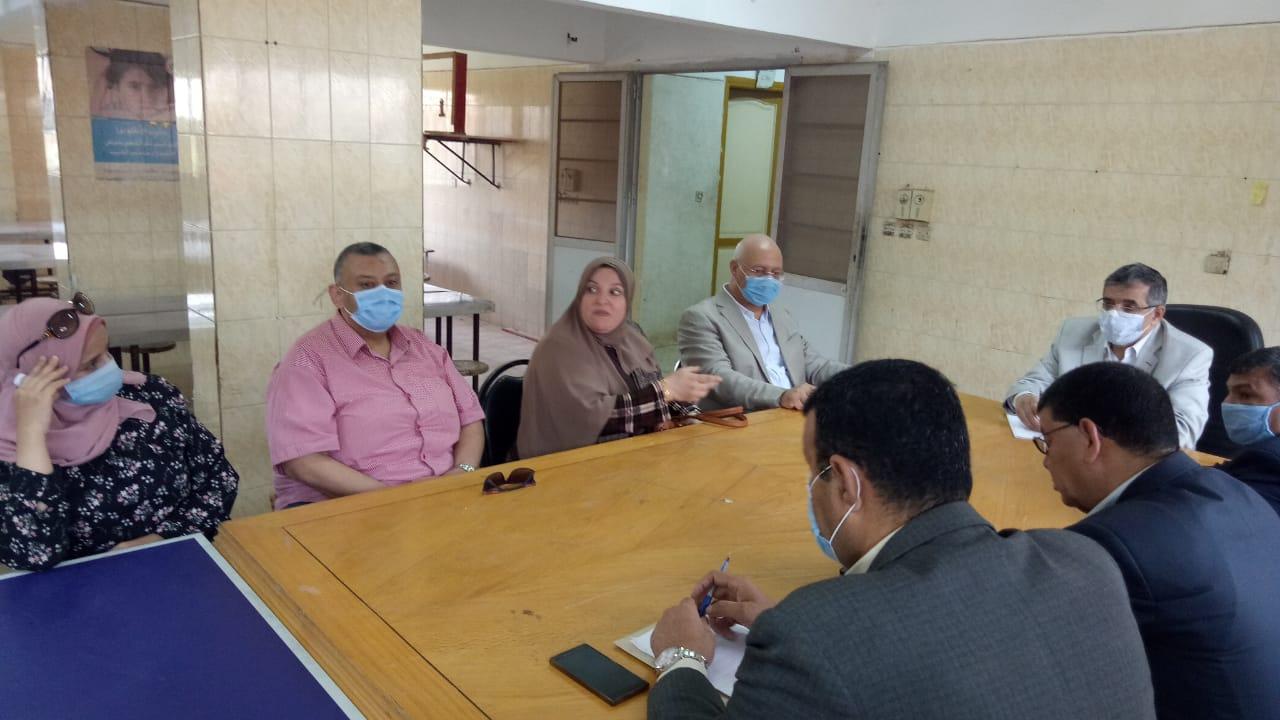 المغربى يتفقد تجهيزات المدن الجامعية (2)