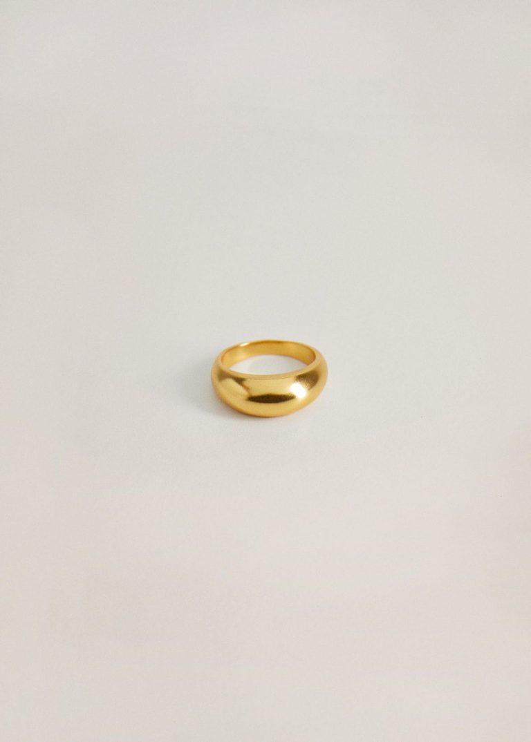 خاتم مطلى بالذهب