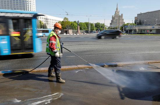 تطهير شوارع موسكو لمواجهة كورونا