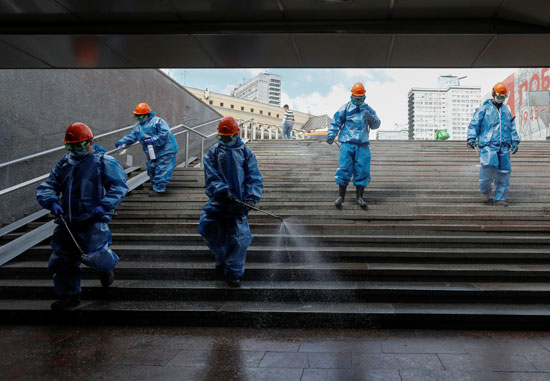 حملة تعقيم شوارع موسكو لمواجهة كورونا