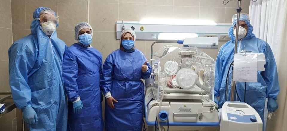 فرحة الفريق الطبى بإنهاء عملية الولادة الخامسة بنجاح كبير