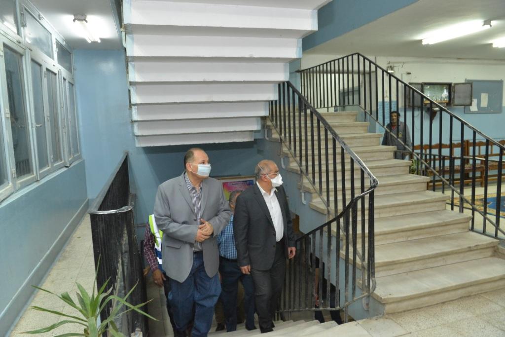 جامعة أسيوط تُعلن جاهزية مدنها الجامعية لاستقبال العائدين من الخارج (16)