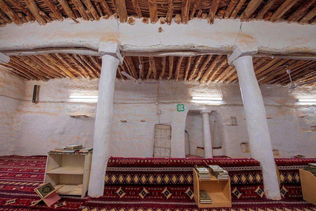 ترميم أحد المساجد التاريخية