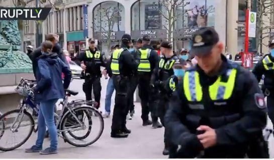 الشرطة الالمانية تتدخل لفض المظاهرة