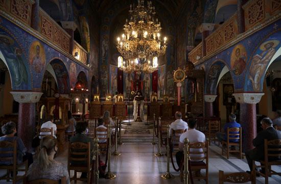 قداس الأحد يعود إلى اليونان