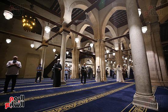 أول صور من صلاة التراويح بالجامع الأزهر  (19)