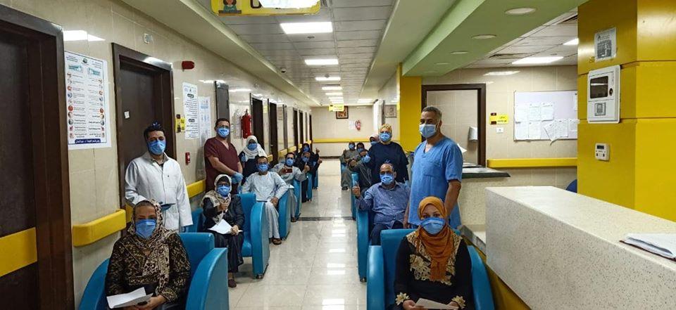 فرحة خروج 21 متعافى بعد شفاؤهم بالأقصر