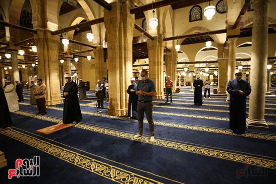 أول صور من صلاة التراويح بالجامع الأزهر  (9)