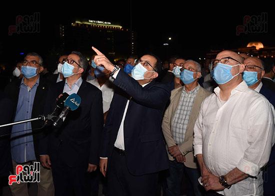 جولة تفقدية لرئيس الوزراء بميدان التحرير لمتابعة أعمال التطوير (8)
