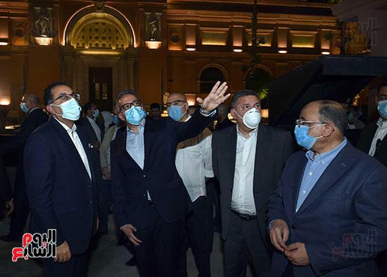 جولة تفقدية لرئيس الوزراء بميدان التحرير لمتابعة أعمال التطوير (1)