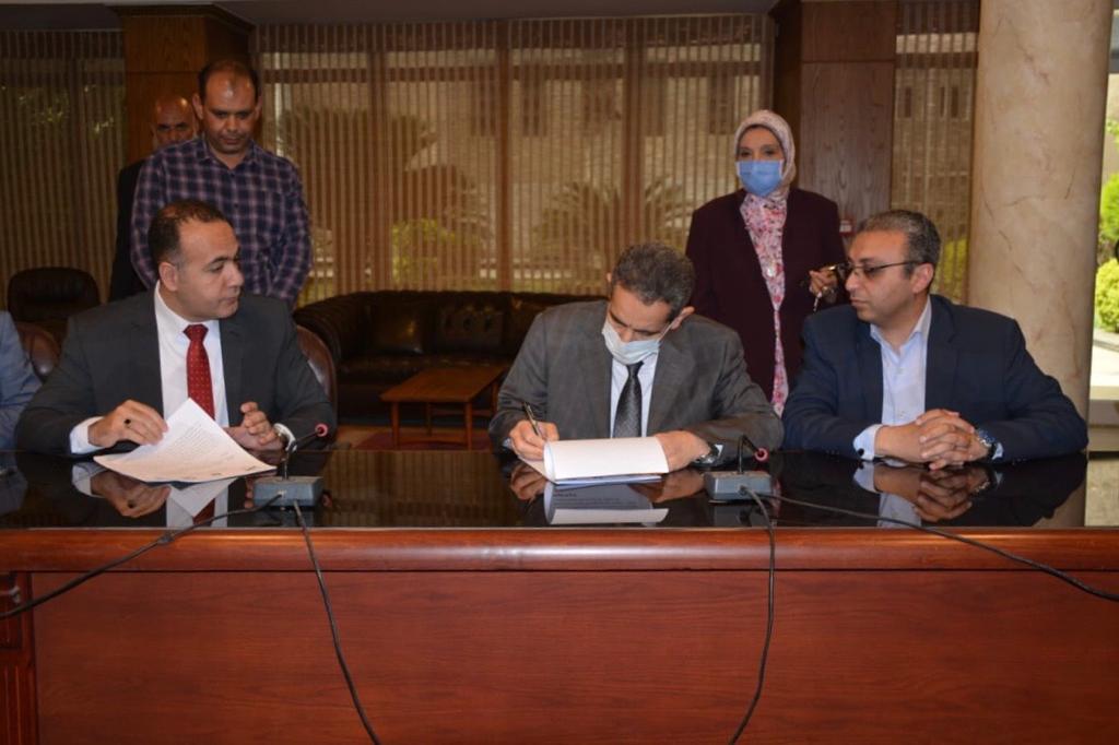 هيئة قضايا الدولة توقع عقدا مع الغربية (3)