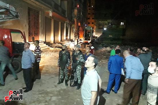 إزالة 53 طابقا بـ19 عقارا مخالفا فى حملة مكبرة بالإسكندرية (4)