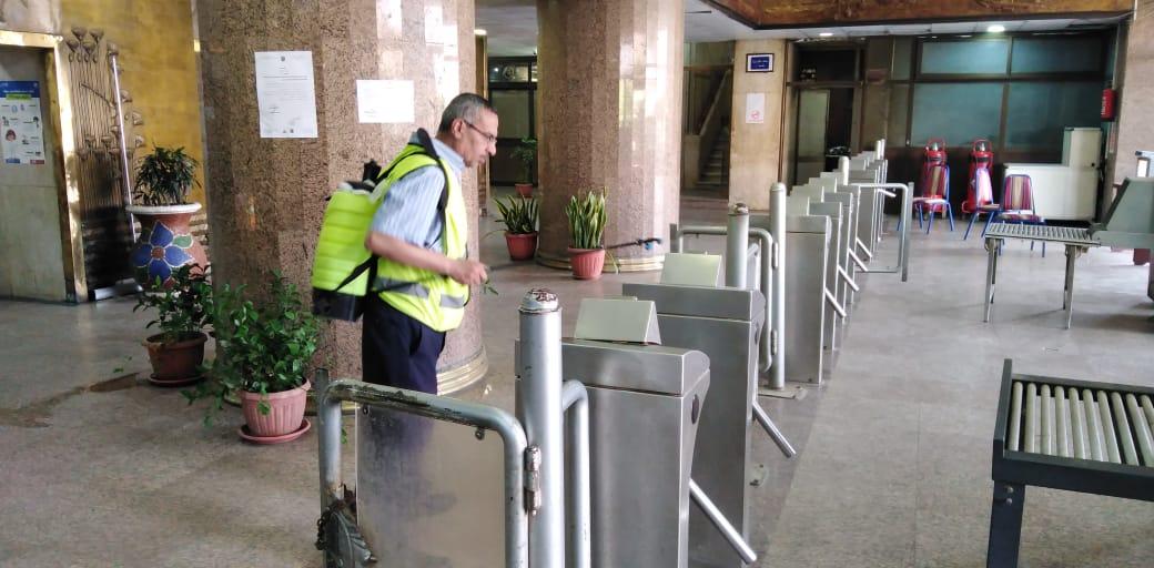 تعقيم مبنى وزارة الرى (25)