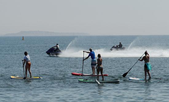 ممارسة الرياضات المائية