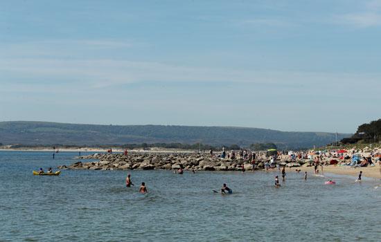 اقبال البريطانيون على الشواطئ