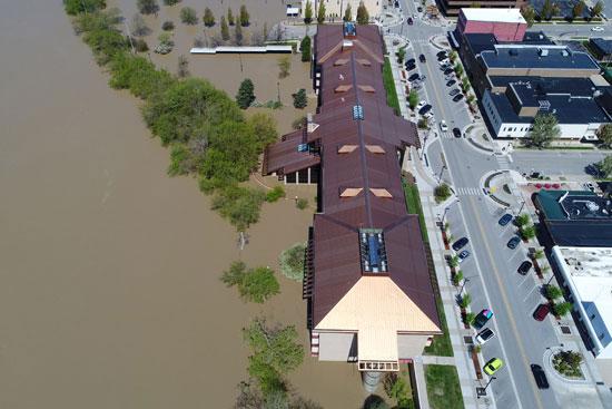 جانب-من-مياه-الفيضانات