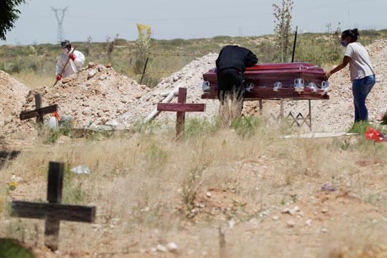 إجراءات صارمة خلال عملية الدفن