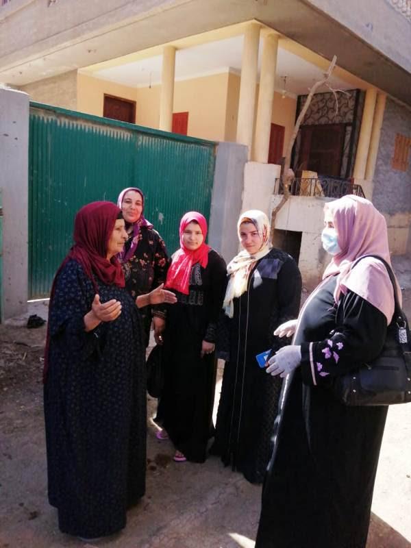 حملات توعوية للقومى للمرأة تجوب المراكز والقري (1)