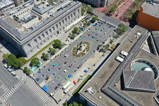 الخيام بعد نصبها بأحد الساحات فى سان فرانسيسكو