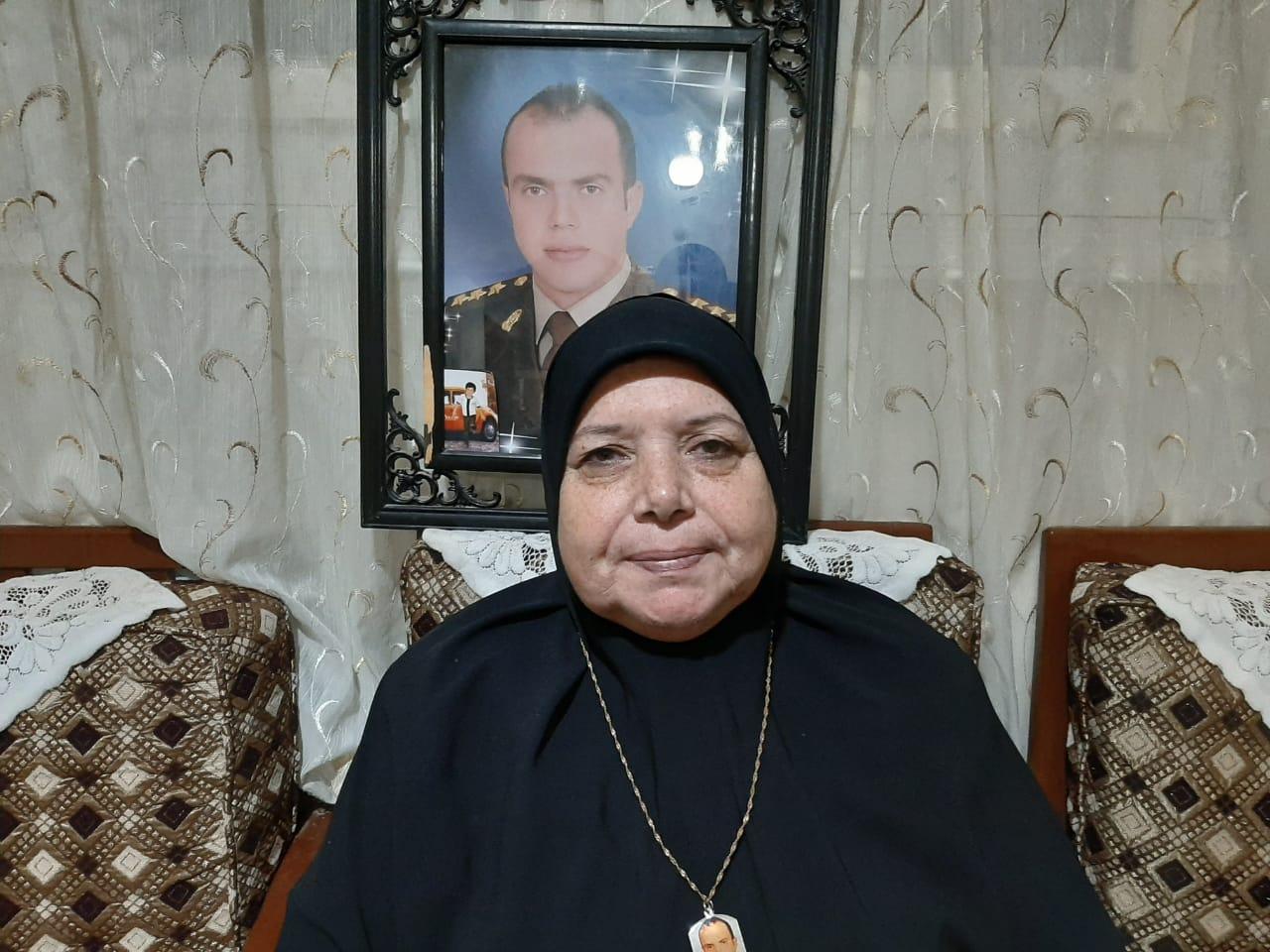 هدي عز الدين والدة الشهيد الرائد أحمد الشبراوى