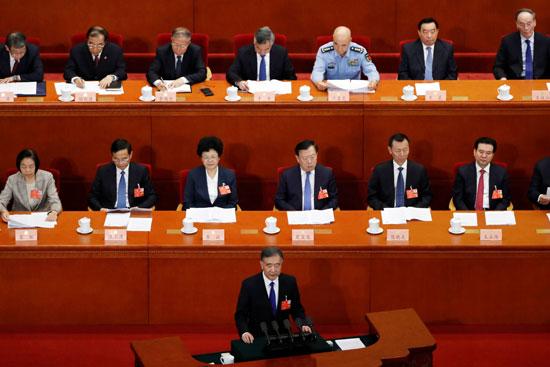 رئيس اللجنة الوطنية للمؤتمر الاستشارى السياسى للشعب الصينى يلقى كلمته