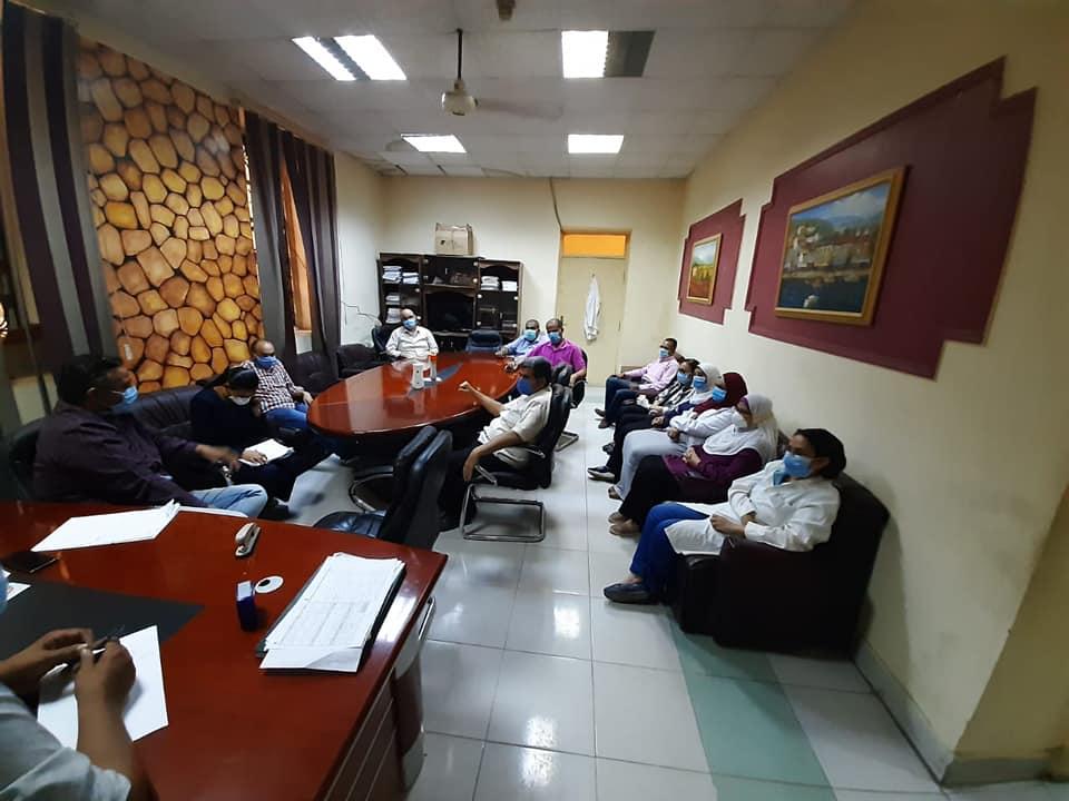 جانب من اجتماع مستشفى الاقصر العام