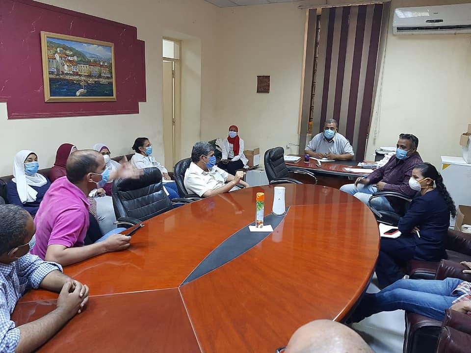 مدير مستشفى الأقصر العام عقد إجتماع لبدء تنفيذ تعليمات مجلس الوزراء