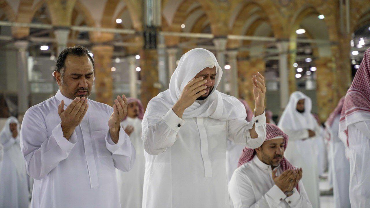 صلاة التهجد وختم القرآن في المسجد الحرام  (7)