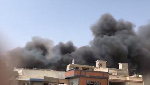 السنة الدخان تملئ مدينة كراتشى