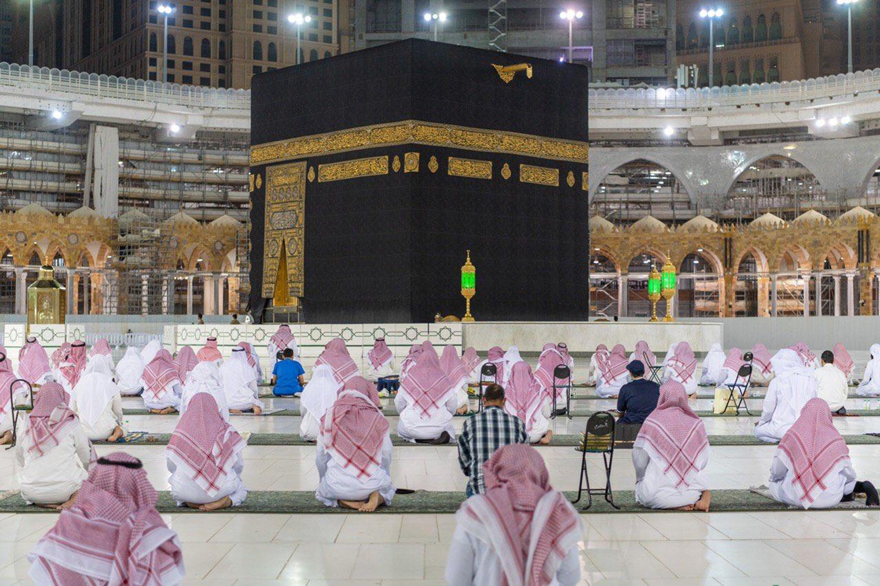 صلاة التهجد وختم القرآن في المسجد الحرام  (4)