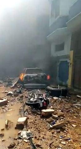 اثار الدمار على منطقة سقوط الطائرة